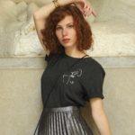mannequin portant t-shirt Klimt gris Leonor Roversi