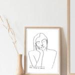 affiche thémis dans un cadre en bois de la marque leonor roversi