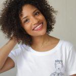 T-shirt blanc frida, femme porte un tshirt blanc
