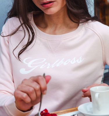 coton-bio-girlboss-sweat-leonor-roversi-2