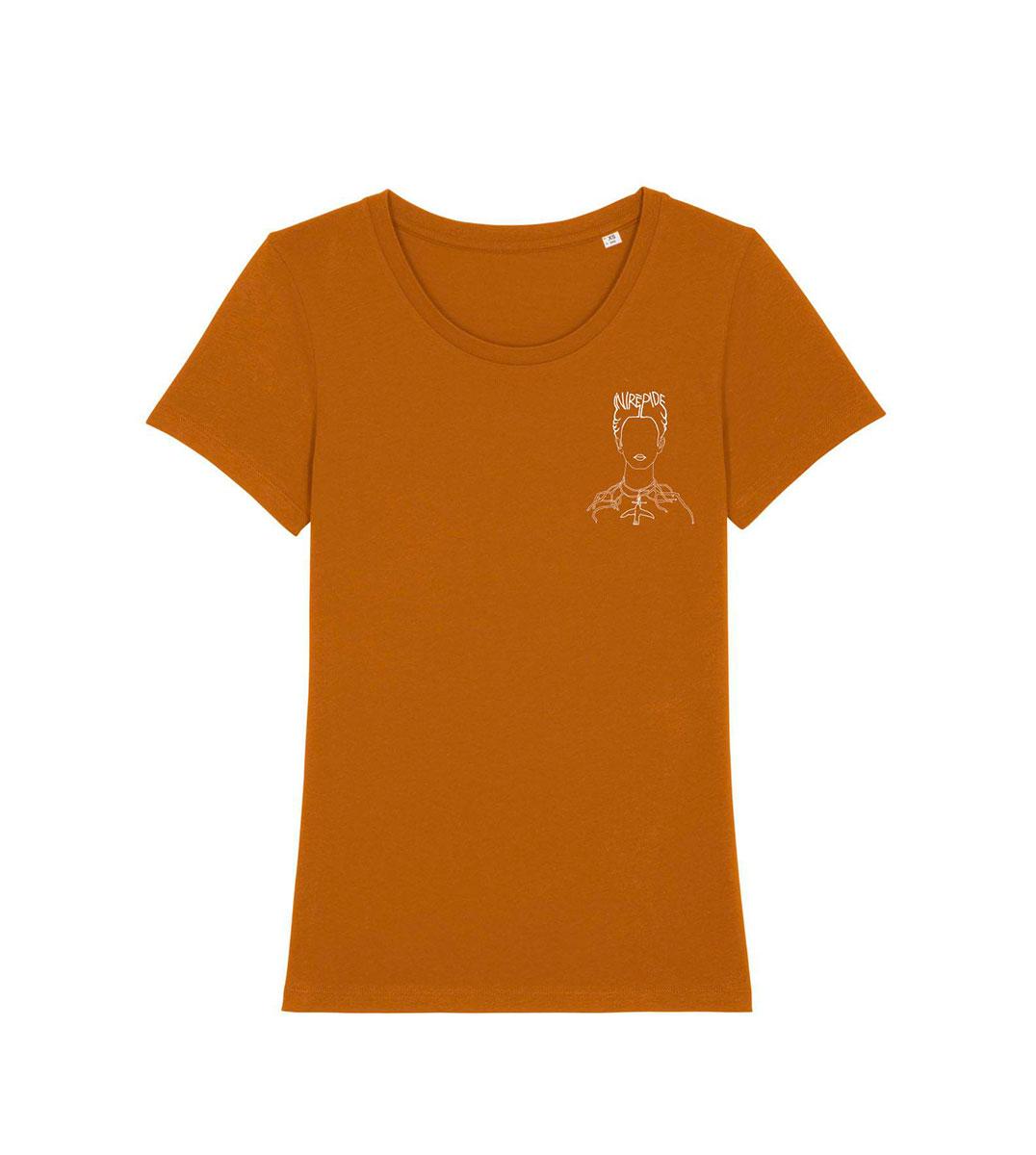 mockup d'un tshirt camel en coton bio, sur ce tshirt il y a un dessin artistique qui représente une oeuvre de Gustav Klimt