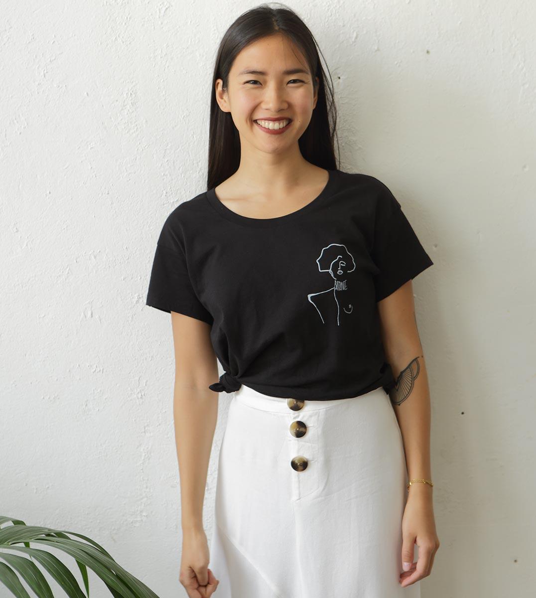 mannequin portant le nouveau t-shirt nori Klimt Leonor Roversi
