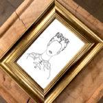 carte frida kahlo, dans un cadre dorée de la m