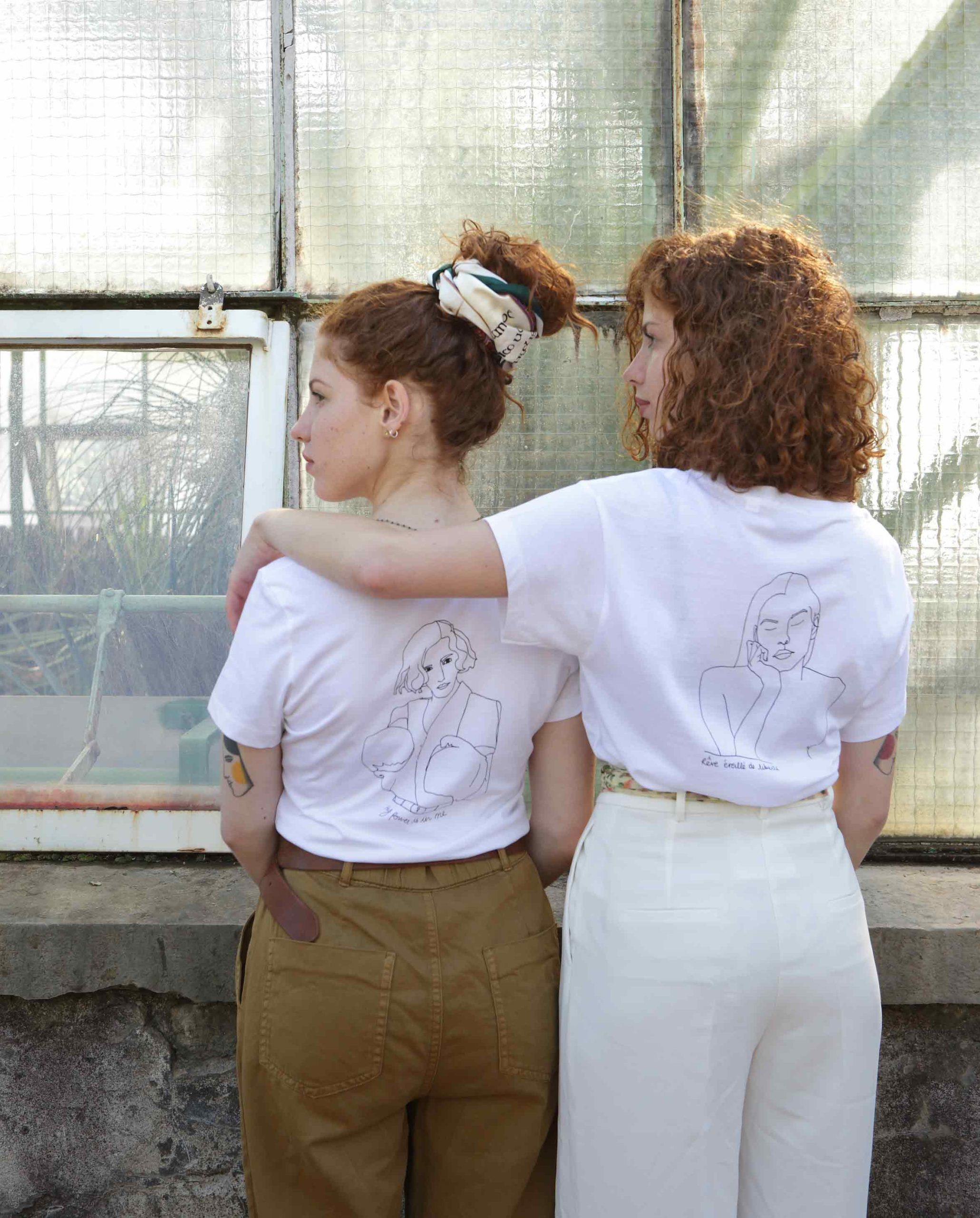 deux femmes avec t-shirt blanc diosas
