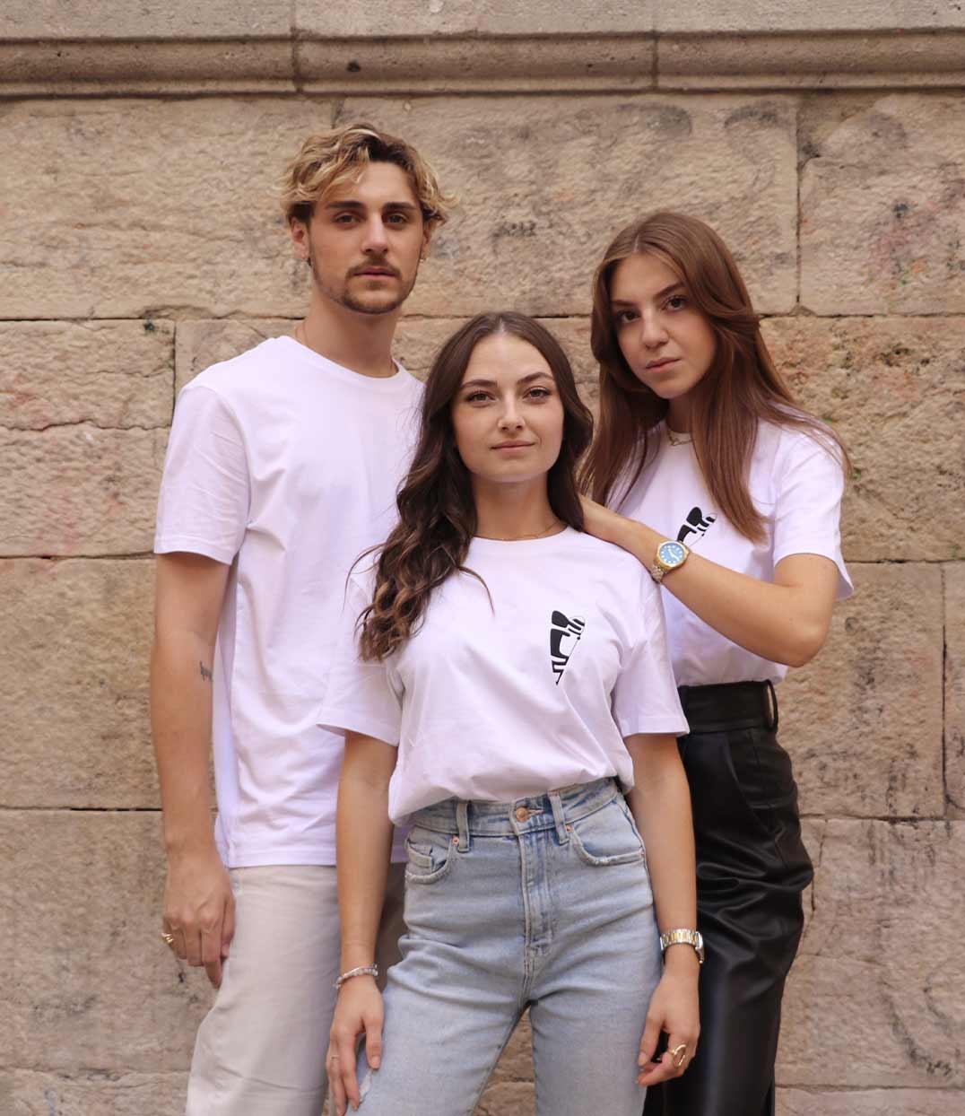 Image site t-shirt blanc abracito noir leonor roversi