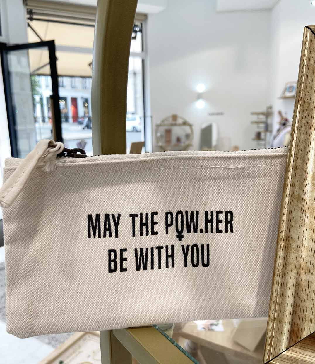 petite pochette beige may the powher be with you leonor roversi