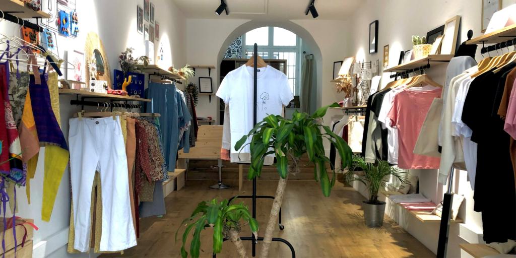 Photo boutique village des créateurs bannière article site mode écoresponsable à Lyon leonor roversi